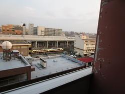 マンションの眺望 いなほ号が階下に見えます。