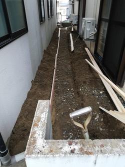 ブロック塀用ベース打設工事