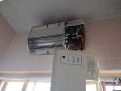 浴室暖房換気乾燥機取替工事中
